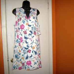 Old Navy White Sleeveless Georgette Swing Dress